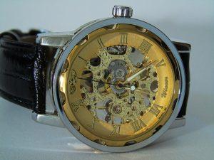 wrist-watch-1783544_960_720