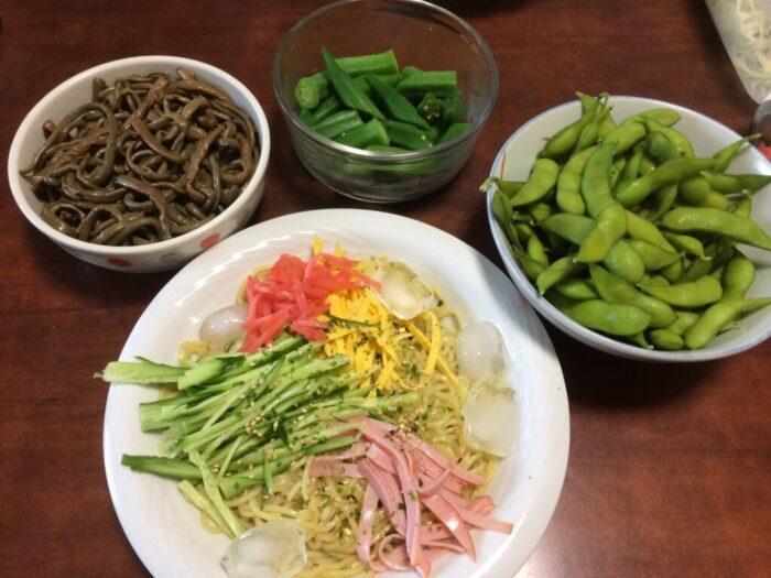 冷やし中華と枝豆